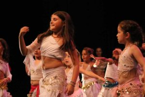 Danse orientale enfant avec Ibtissem